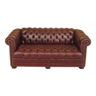 1990s Vintage English Style Tufted Leather Chesterfield Sofa For Sale