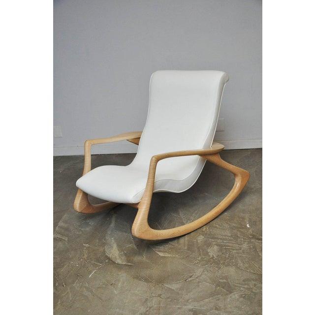 "Vladimir Kagan Vladimir Kagan ""Erica Rocking Chair"" with Rare Maple Frame, circa 1960s For Sale - Image 4 of 10"