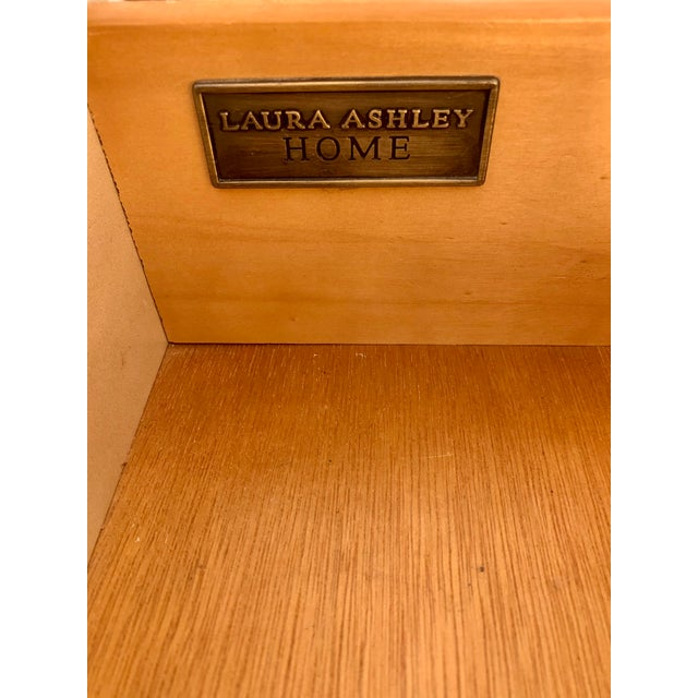 Metal Laura Ashley for Kincaid Furniture French Provincial Style Vanity With Mirror For Sale - Image 7 of 10