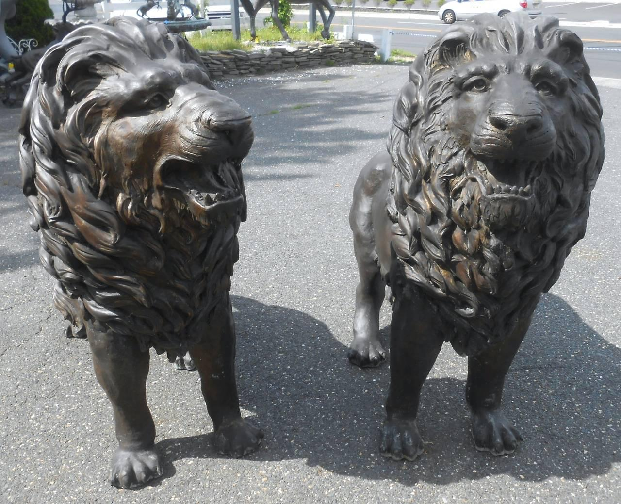 This Beautiful Pair Of Lion Statues Offers A Wonderful Level Of Detail And  Make An Impressive
