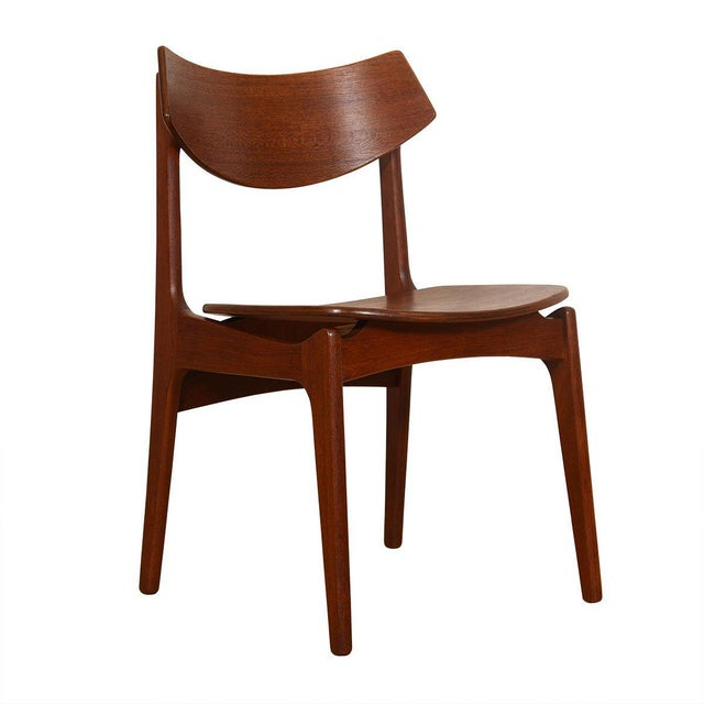 Danish Modern Danish Teak Curved Back Dining Chairs - Set of 4 For Sale - Image 3 of 13