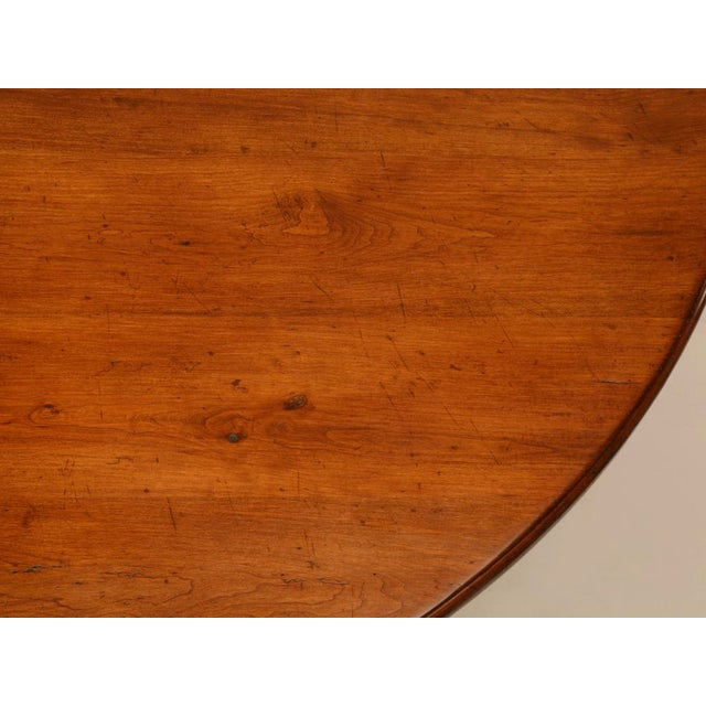 """Early 20th Century Vintage English Hand-Crafted Solid Cherry 64"""" Round Dining Table For Sale - Image 5 of 11"""