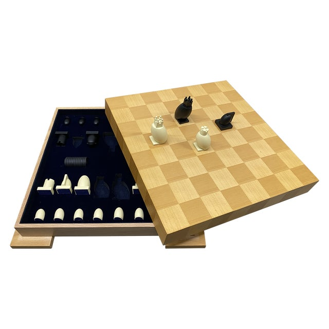 1990s Postmodern Chess / Checkers Set by Michael Graves For Sale - Image 13 of 13