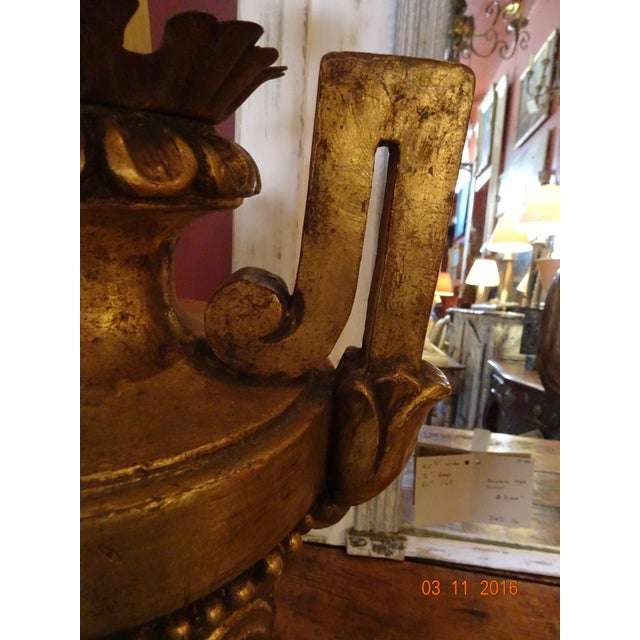 1950s Vintage Gilt Wood Italian Lamps, Pair For Sale - Image 5 of 10