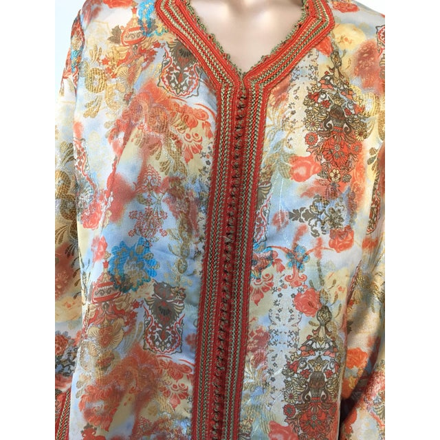 Moroccan Floral Brocade Multicolored Embroidered Kaftan, 1970s, Caftan For Sale In Los Angeles - Image 6 of 11