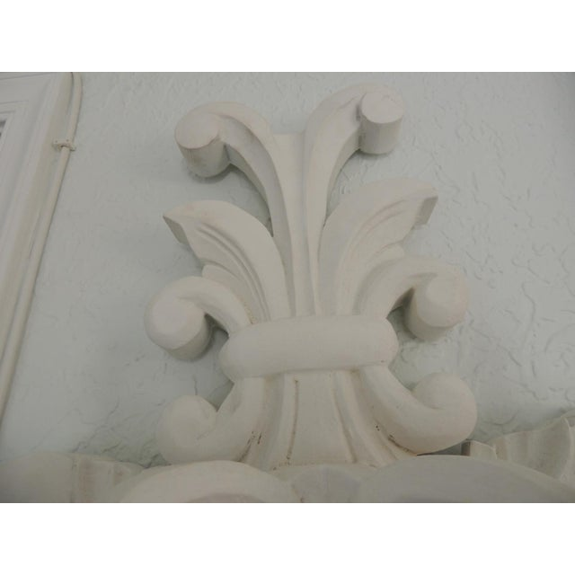 "White Vintage White Plaster ""Fleur De Lis"" Wall Sconce After Dorothy Draper Style For Sale - Image 8 of 9"