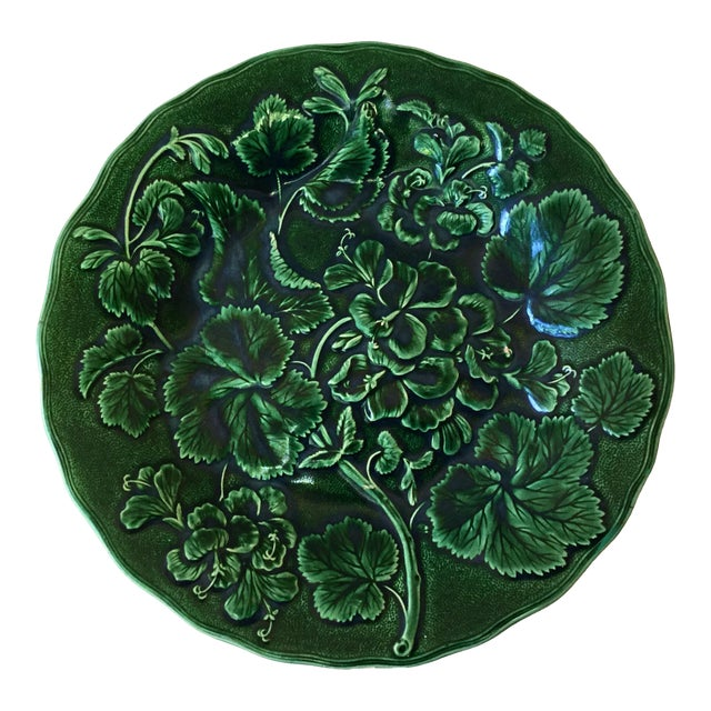 1880 English Green Majolica Geranium Plate For Sale