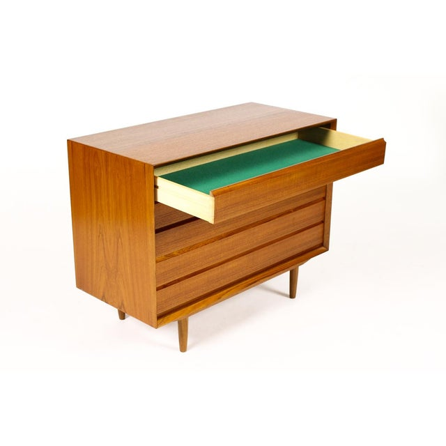 Mid-Century Danish Modern Teak 5 Drawers Upright Chest / Dresser For Sale In Los Angeles - Image 6 of 8