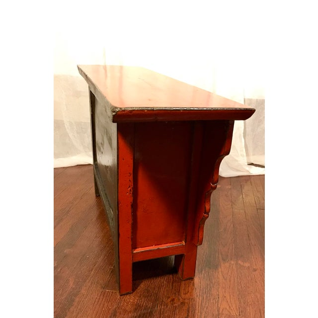 20th Century Chinese Cinnabar Colored Lacquered Sideboard Buffet For Sale - Image 4 of 11