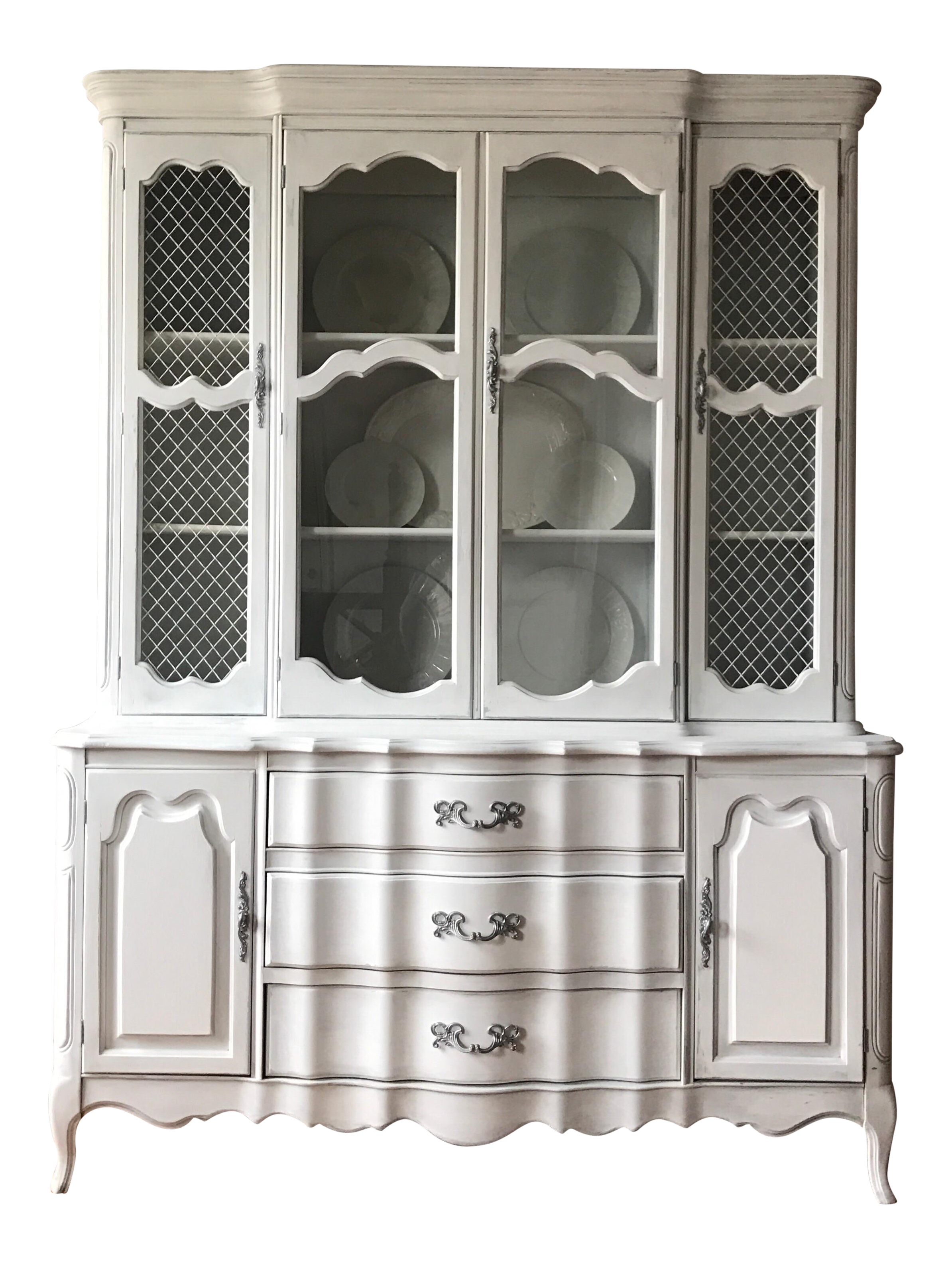 Vintage French Provincial China Cabinet/Hutch