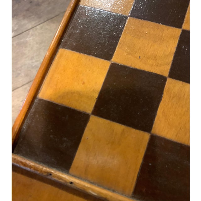 Lovely inlaid game board - large size and very good condition