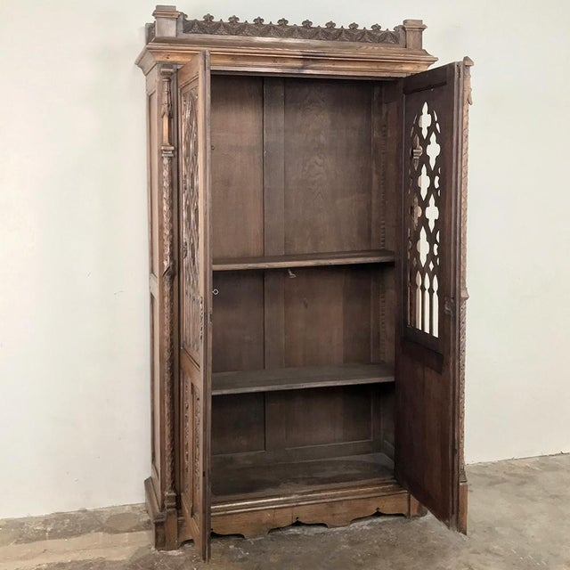 19th Century French Gothic Bookcase ~ Vitrine For Sale - Image 4 of 13