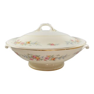 1940s Homer Laughlin Porcelain Covered Gold Trimmed Floral Tureen For Sale