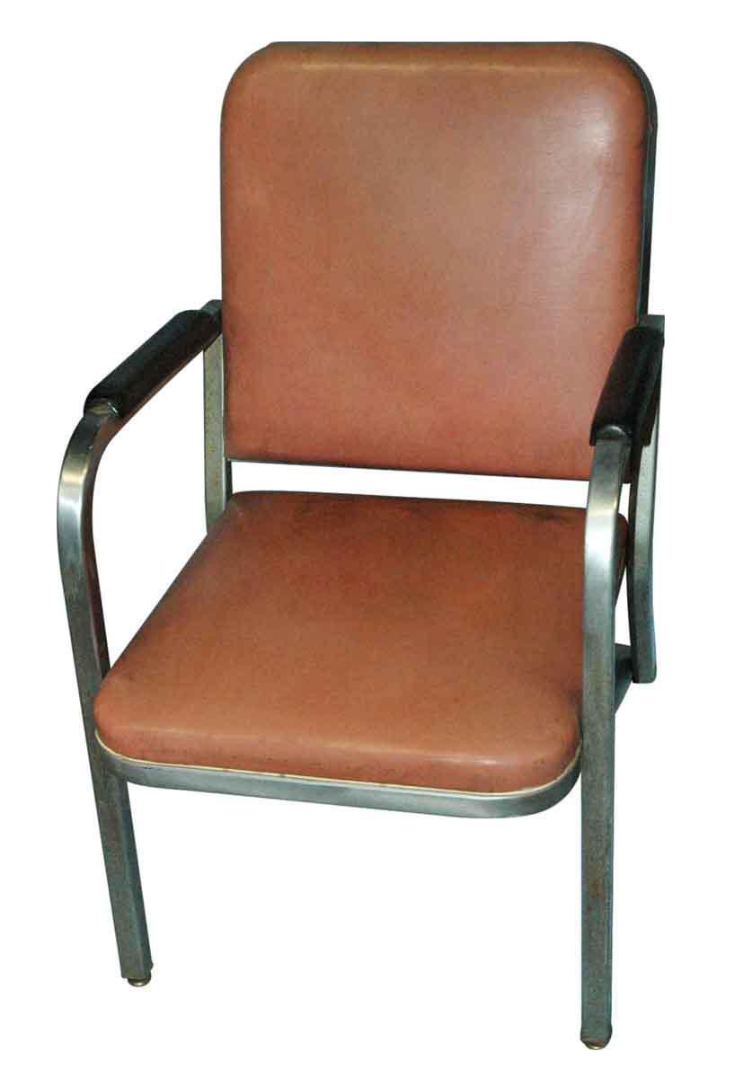 Attirant Industrial Lounge Chair