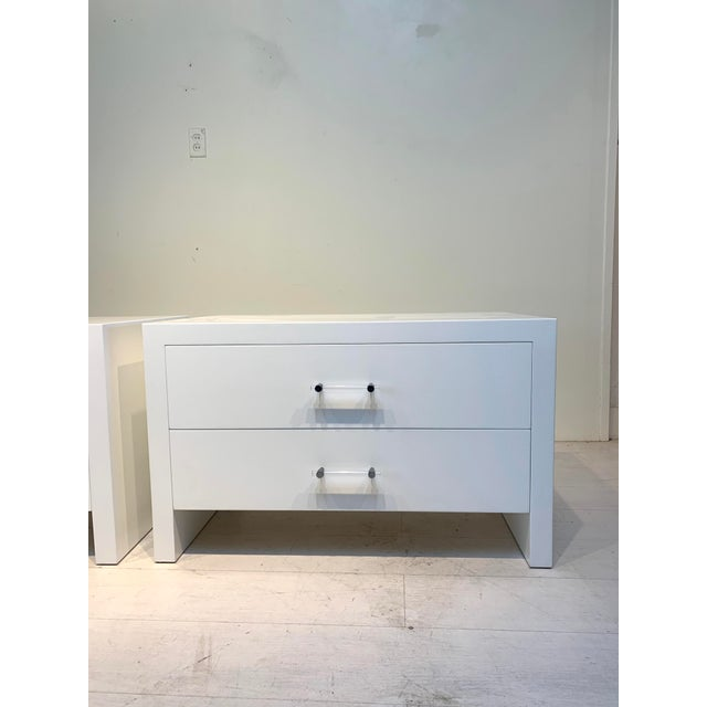 Mid-Century Modern 1960s Hollywood Regency White Nightstands With Lucite Pulls - a Pair For Sale - Image 3 of 8