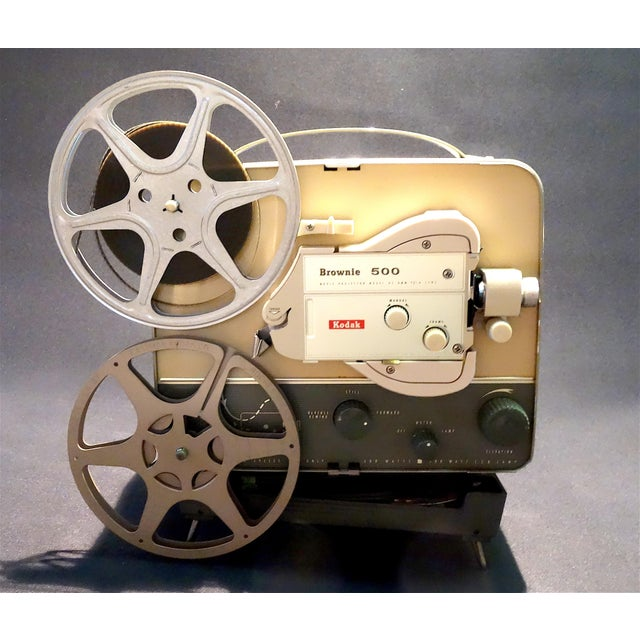 American Vintage Art Deco Kodak 8mm Movie Projector Circa 1950s. Fabulous Mid Century Streamline Look For Sale - Image 3 of 8