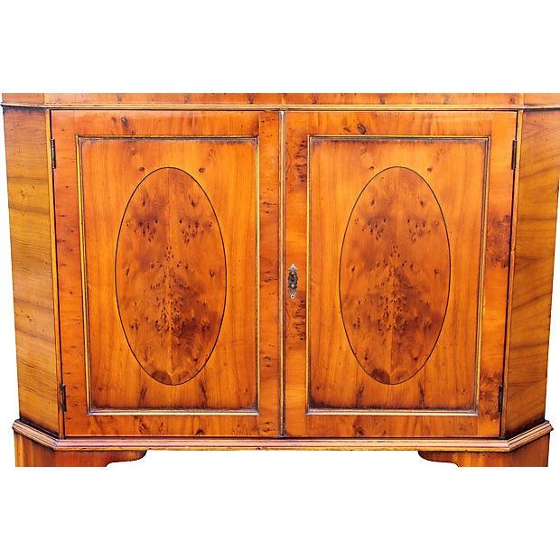 1950's Mid-Century Modern Corner Curio Cabinet For Sale In Miami - Image 6 of 7