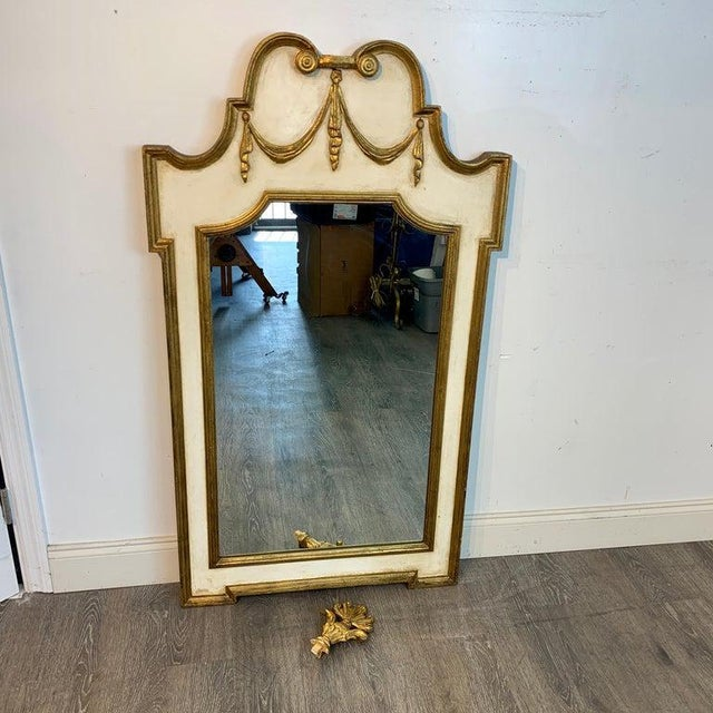 Mid 20th Century Italian Neoclassic Giltwood and Parcel Gilt Mirror For Sale - Image 5 of 11