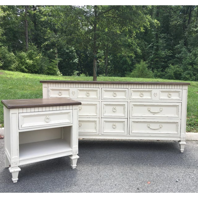Thomasville Walnut 9-Drawer Triple Dresser and Nightstand - Set of 2 For Sale - Image 13 of 13