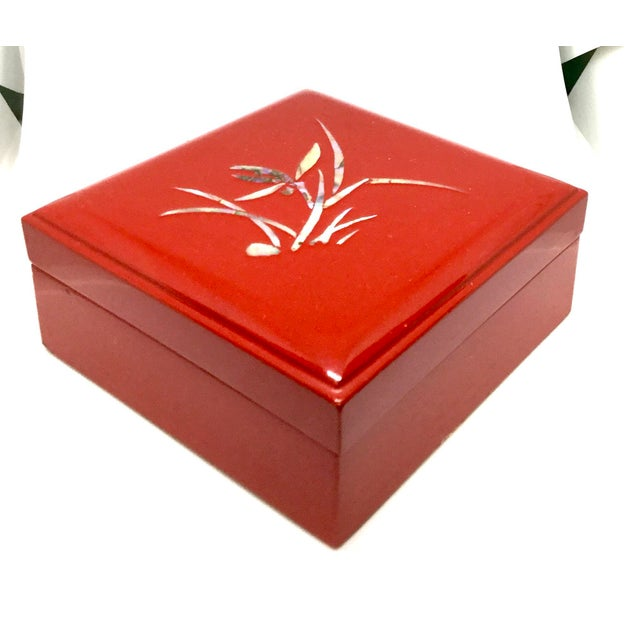 Mid-Century Modern Vintage Red Japanese Lacquered & Mother of Pearl Box For Sale - Image 3 of 13