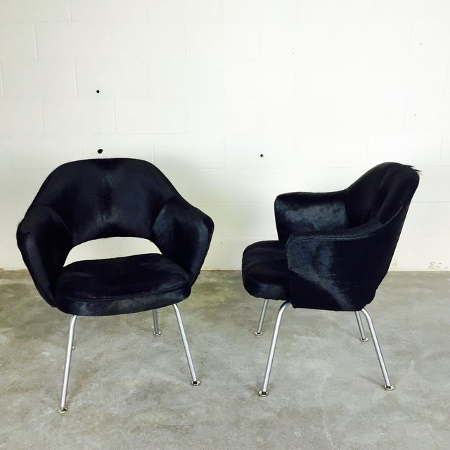 Mid-Century Modern Forsyth One of a Kind Eero Saarinen for Knoll Armchairs in Natural Black Cowhide - Pair For Sale - Image 3 of 6