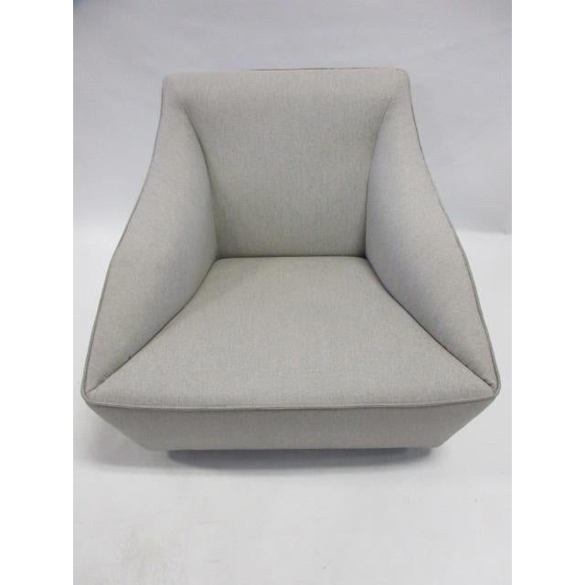 Mid-Century Modern Gray Molteni Doda Low Armchair For Sale - Image 3 of 10