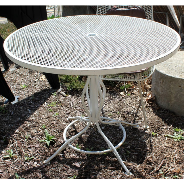 Woodard Furniture Co. Mid-Century Modern Woodard Sculptura Patio Table Set Two Chairs White Iron For Sale - Image 4 of 7