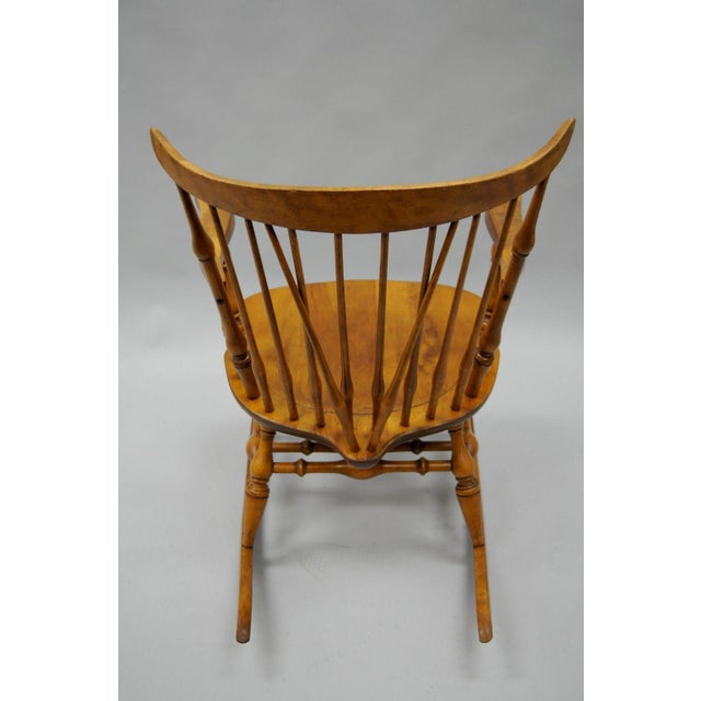 Colonial Traditional Vtg Nichols & Stone Maple Wood Windsor Rocking Chair Rocker For Sale - Image 9 of 11
