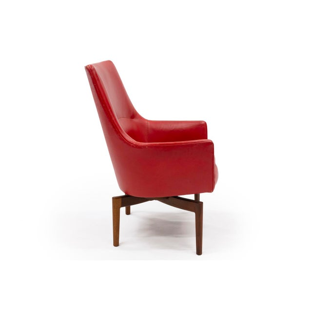 Mid-Century Modern Mid 20th Century Red Leather Swivel Lounge Chair by Jenns Risom For Sale - Image 3 of 9