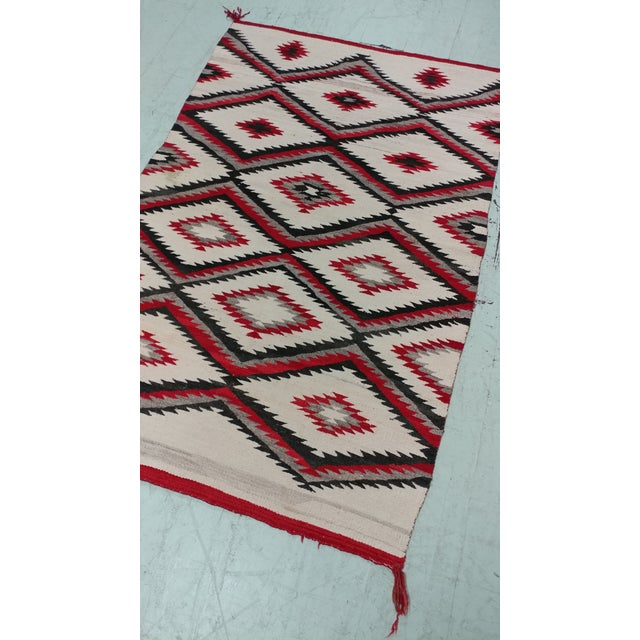"Navajo Vintage Hand Woven Wool Rug - 4'6"" x 7'6"" For Sale - Image 4 of 10"
