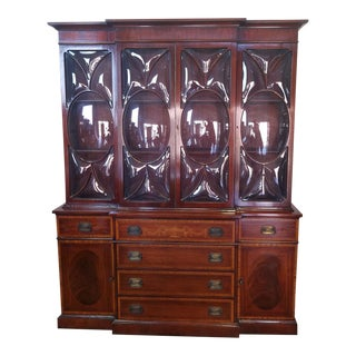 Very Good 1940s Inlaid & Banded Mahogany Living Room Breakfront China Cabinet