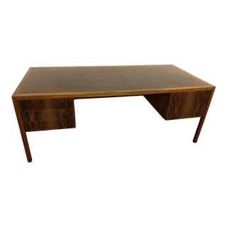 Stow Davis Mid Century Executive Desk in Rosewood and Burl For Sale
