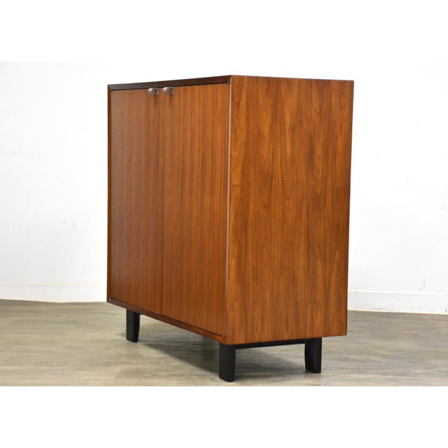 Herman Miller 1950s George Nelson for Herman Miller Walnut Cabinet Credenza For Sale - Image 4 of 11