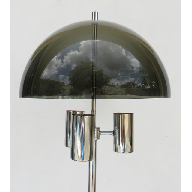 1970s 1960's Mid-Century Modernist Space Aged Smoked Lucite and Chrome Mushroom Table Lamp For Sale - Image 5 of 13