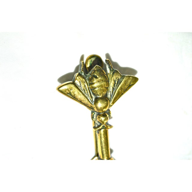 Traditional Vintage Honey Bee Door Knocker For Sale - Image 3 of 8