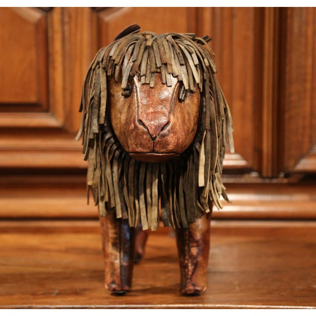 19th century English Foot Stool Lion Sculpture with Original Brown Leather - Image 3 of 8
