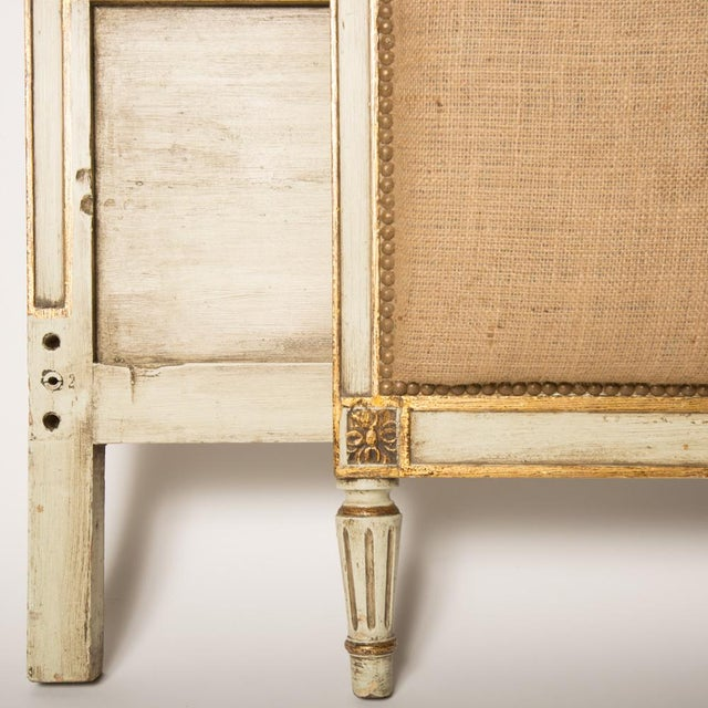 1940s French Louis XV Style Burlap Queen Size Bedframe For Sale In Philadelphia - Image 6 of 7