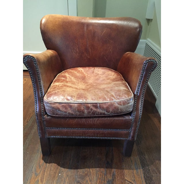 This is a very stately leather chair that always won us many compliments. The chair is a nice classic touch to any room,...