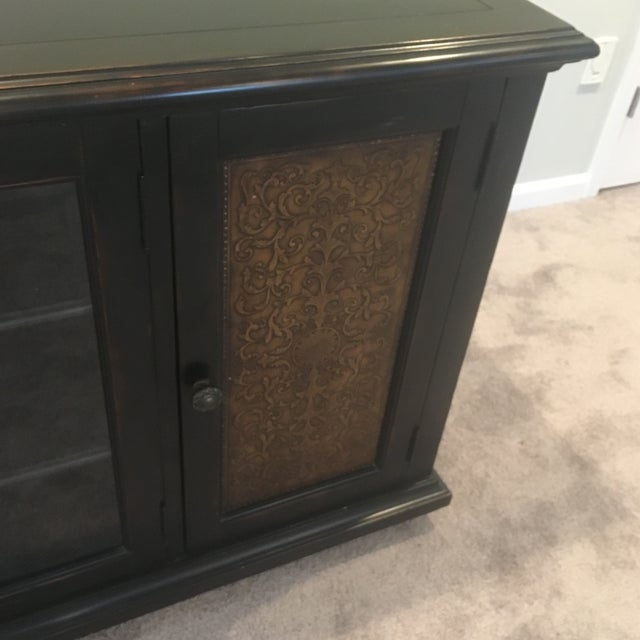 Americana Wood and Brass Credenza/Media Cabinent For Sale In New York - Image 6 of 13