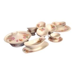Iroquois True China Ben Siebel Design Impromptu Grapes, Mid Century Modern 1960s Dinnerware Set - 15 Piece For Sale