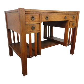 1900s Mission Arts and Crafts Early Tiger Oak Writing Desk For Sale