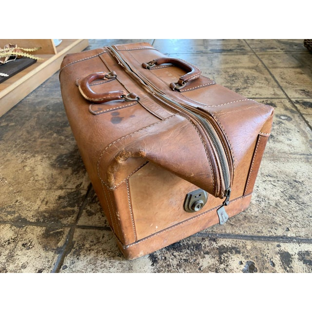 Early 20th Century Vintage Leather Luggage Bag For Sale - Image 5 of 11
