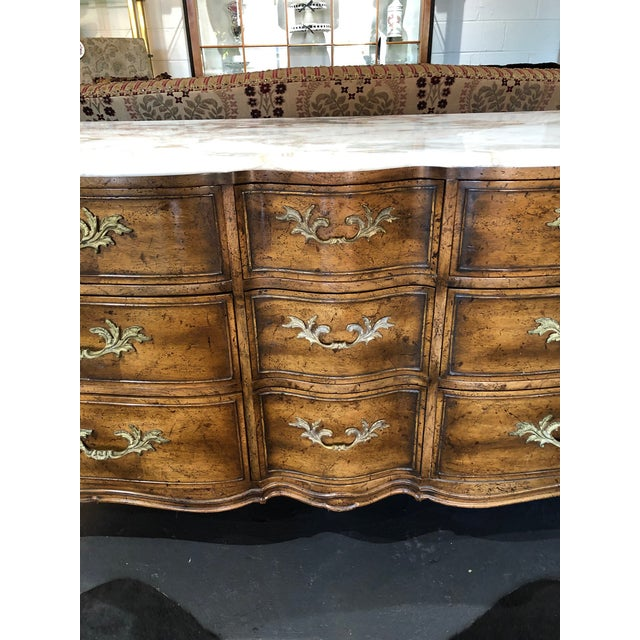 1960s French Provincial 9-Drawer Marble Top Dresser For Sale In Minneapolis - Image 6 of 13