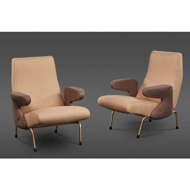 """Pair of """"Delfino"""" Armchairs by Erberto Carboni Manufactured by Arflex For Sale - Image 10 of 10"""
