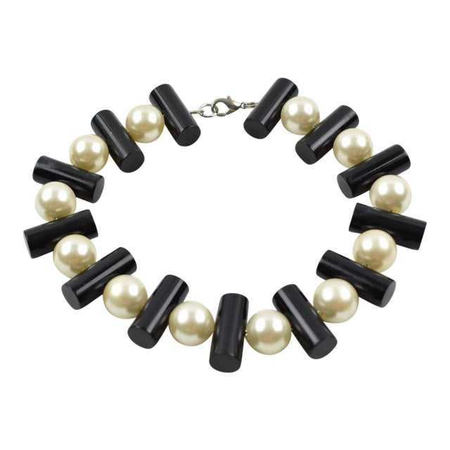 Judith Hendler Black and Pearl Acrylic Lucite Dog Collar Necklace For Sale