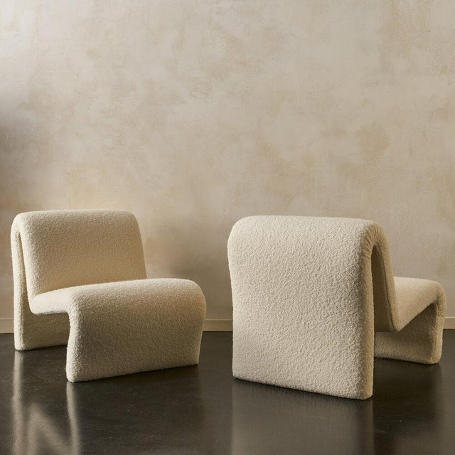 1970s Pair of Curvy Sculptural Lounge Chairs in Ivory Boucle For Sale - Image 5 of 11