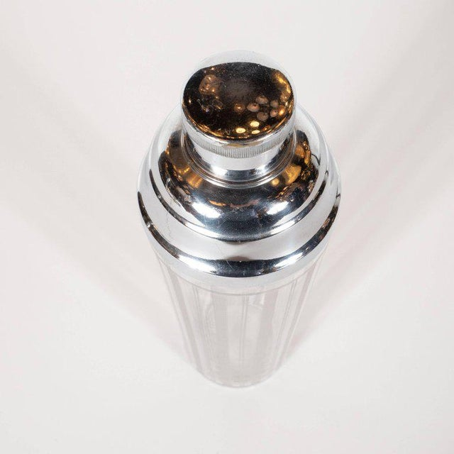 Art Deco American Art Deco Machine Age Etched Glass and Chrome Cocktail Shaker For Sale - Image 3 of 8