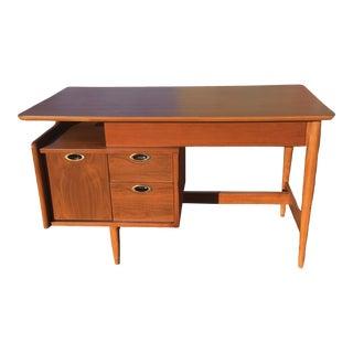 1950s Mid Century Modern Hooker Mainline Writing Desk For Sale