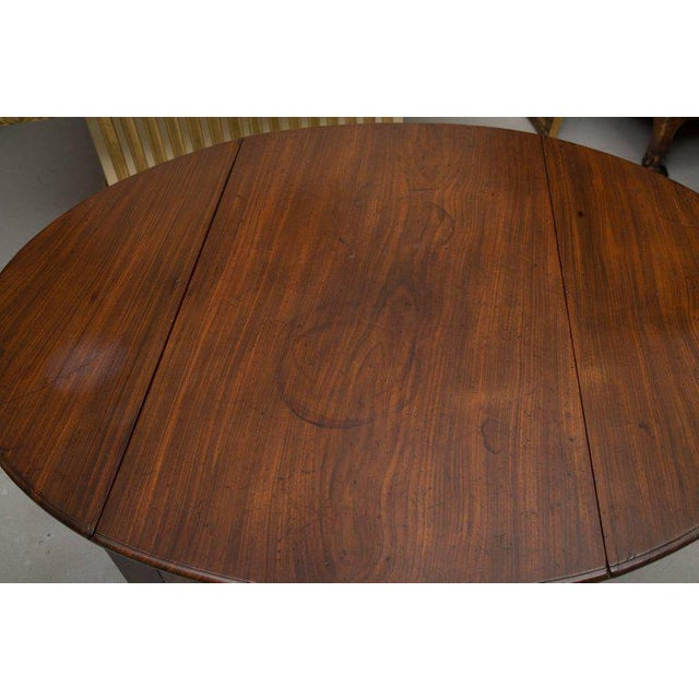 English Traditional 19th Century English Mahogany Oval Pembroke Table For Sale - Image 3 of 9