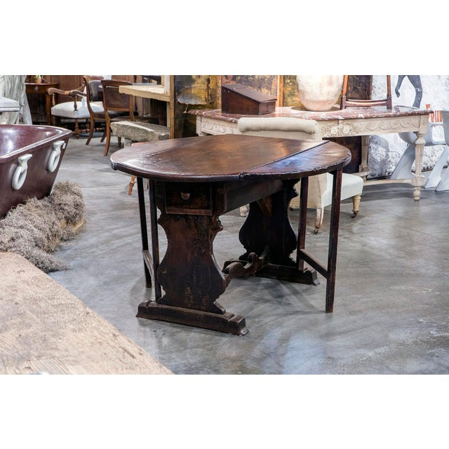 Early 19th Century Italian Walnut Dropleaf Table For Sale - Image 5 of 6
